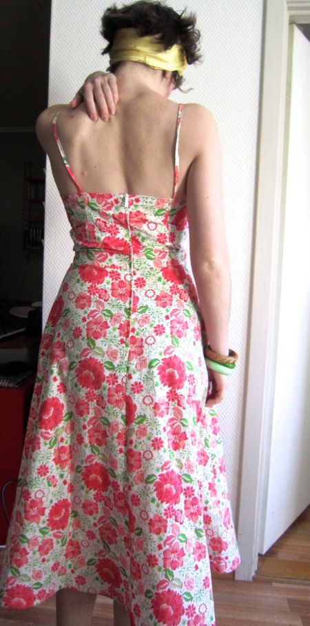 Burda 12-2006-113  dress back