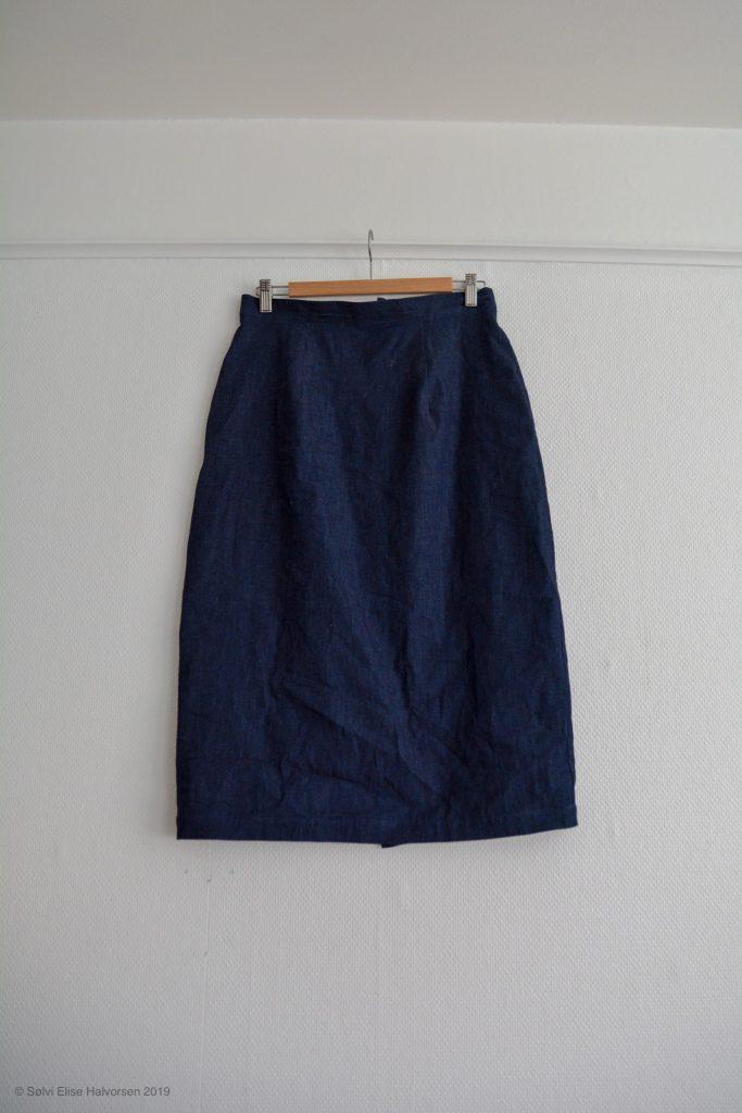 Pencil skirt pattern by delfinelise
