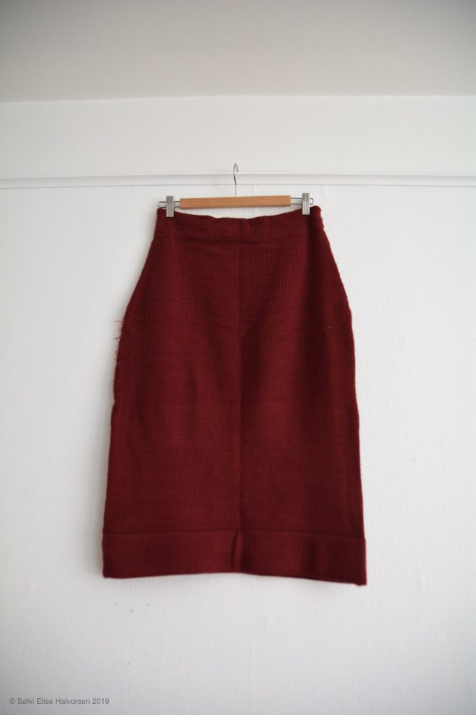 Machine knit skirt pattern by delfinelise
